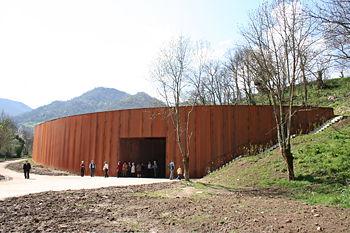 """VISITA al """" Parque de la prehistoria de Teverga """""""